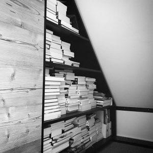 Regale umbauen, Bücher sortieren. #papierberge #bücherliebe